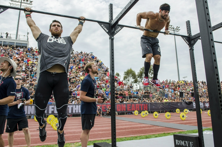 Games2012_TrackTriplet_FroningLeverich_muscleup